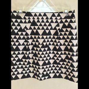 Fully lined mini skirt